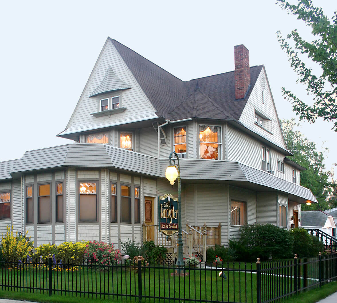Beautiful 1890s Historical Bu0026B With Old World Charm Located Near Miles Of  Lake Michigan Beach. Come Play, Explore And See All The Area Has To Offer.