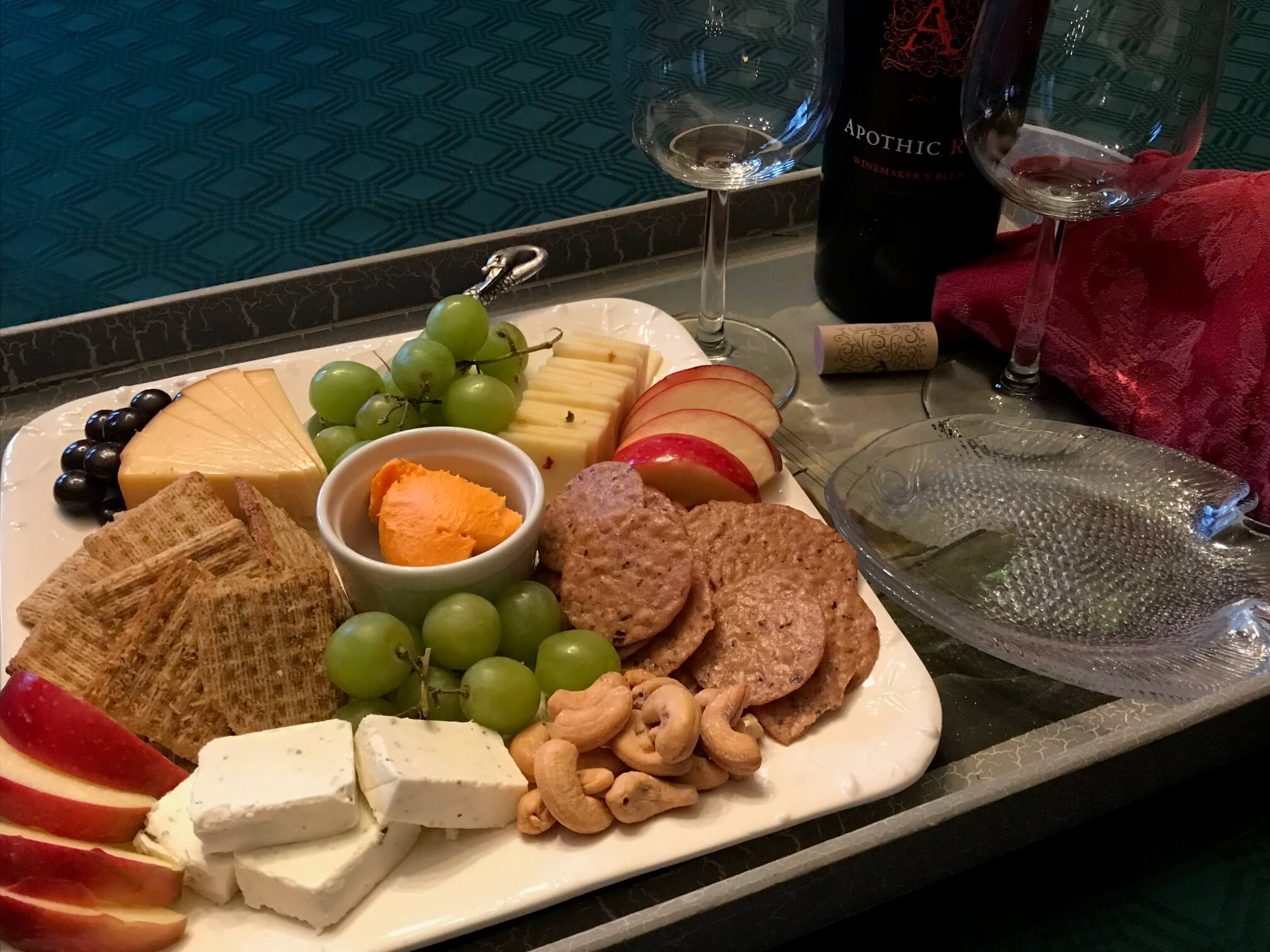 wine/cheese tray at White Swan Inn
