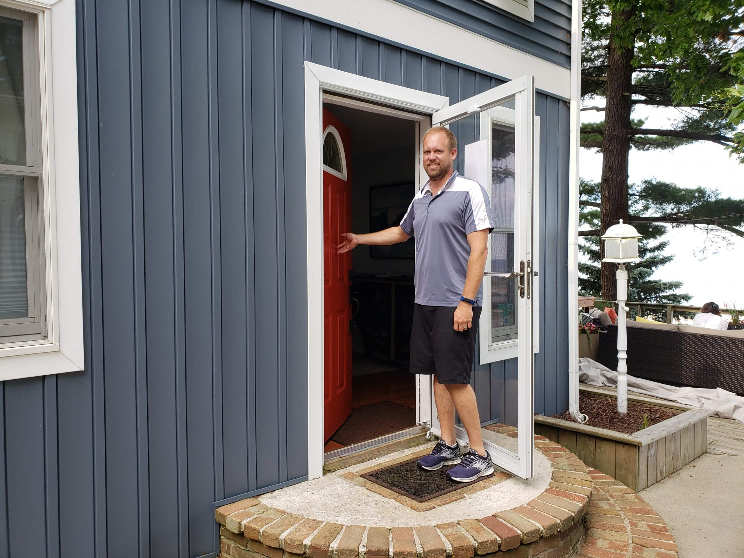 Brian King welcomes guests to Looking Glass Beachfront Inn